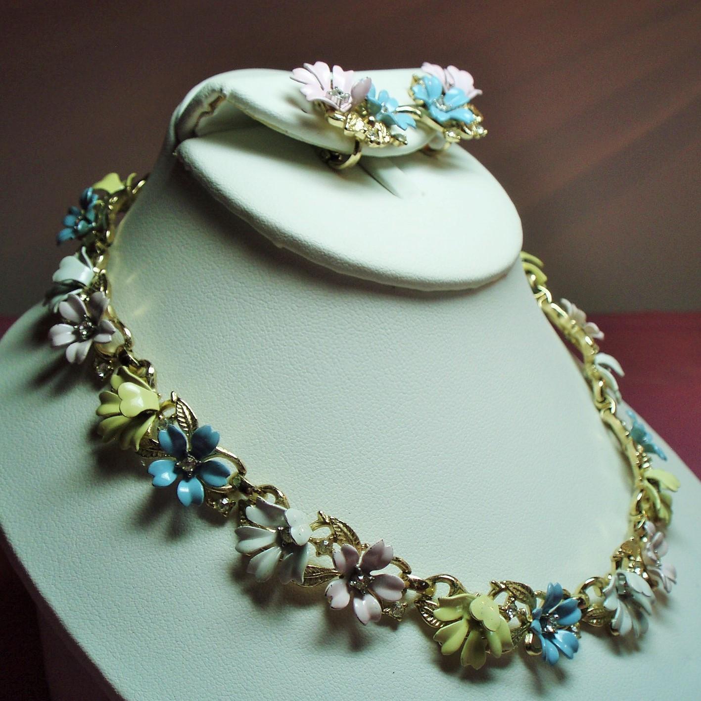 Vintage Trifari Fleurette Pastel Enamel Flowers Necklace
