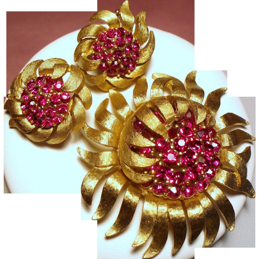 Vintage Trifari Fuchsia Rhinestone Sun Flower Brooch Earrings Demi Parure