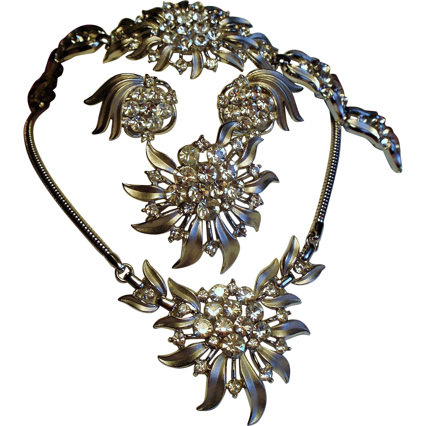 Vintage Trifari Flower Starburst Rhinestone Grand Parure