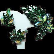 Vintage Unsigned Regency Green Navette Rhinestone Spray Brooch Earrings Demi Parure