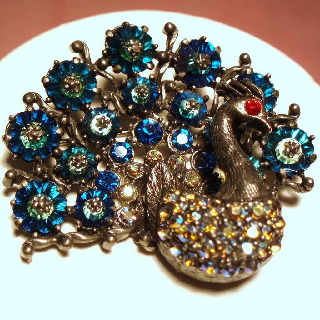 vintage unsigned weiss margarita rhinestone peacock brooch. Black Bedroom Furniture Sets. Home Design Ideas