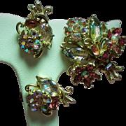 Vintage Weiss Molded Rhinestone Flower Bouquet Brooch Earrings Demi Parure