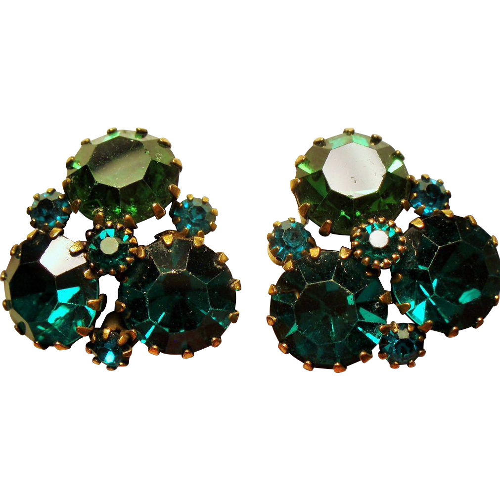 vintage weiss green rhinestone tri corner earrings sold on. Black Bedroom Furniture Sets. Home Design Ideas