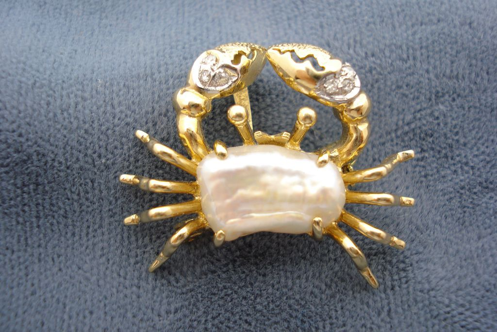 14K Gold Crab Brooch and Pendant.