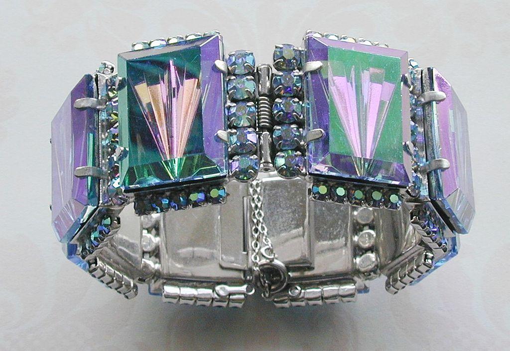 Reversed Carved Glass Rhinestone Hinged Bracelet