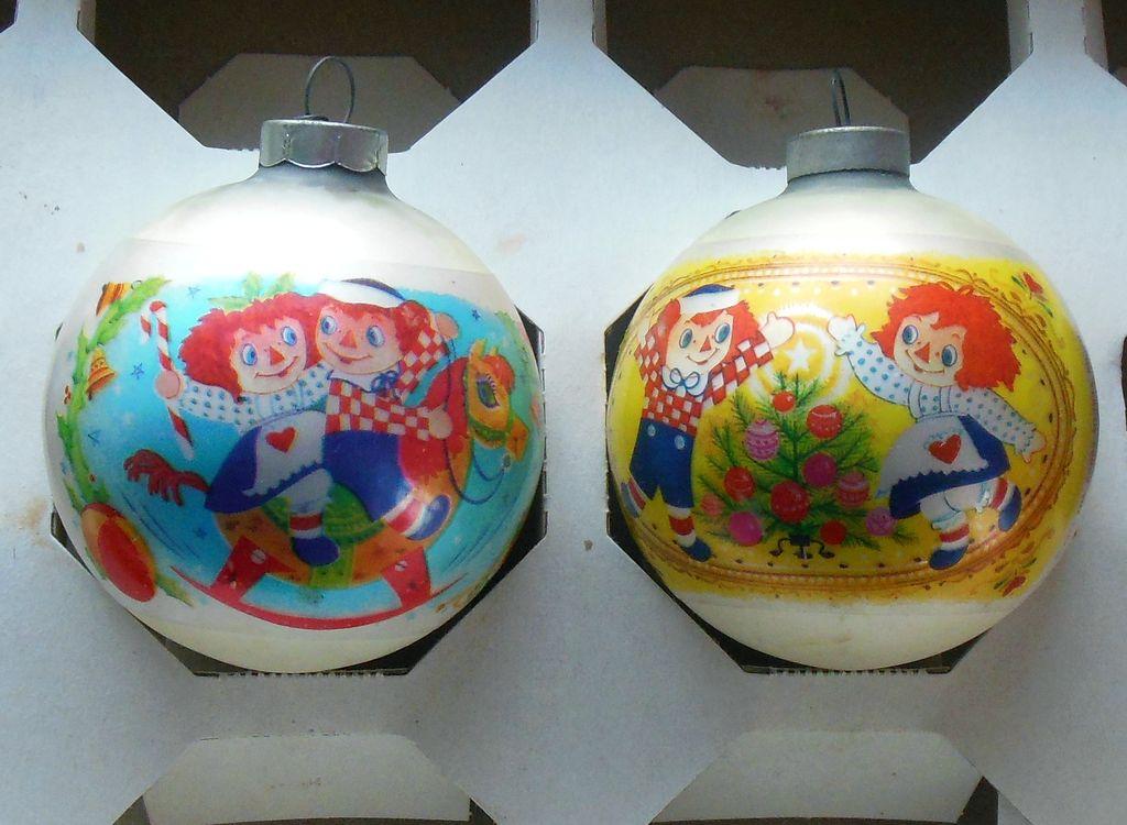 2 Vintage 1974 Raggedy Ann Andy Bobbs Merrill Christmas Bulbs