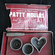 Antique Wagner Crisp Patty Cast Iron Valentine Heart Kitchen Molds