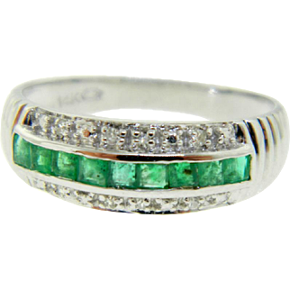 Estate 14 Karat White Gold Emerald Diamond Ring Band