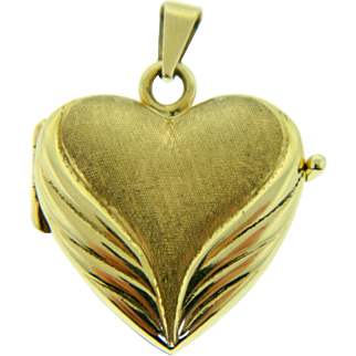 Vintage 14 Karat Yellow Gold Heart Locket