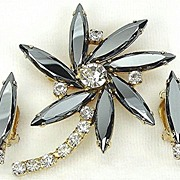 Vintage D&E aka Juliana Faux Hematite Pin Wheel Demi Parure