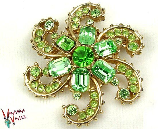 Gorgeous Green Rhinestone Starfish Brooch
