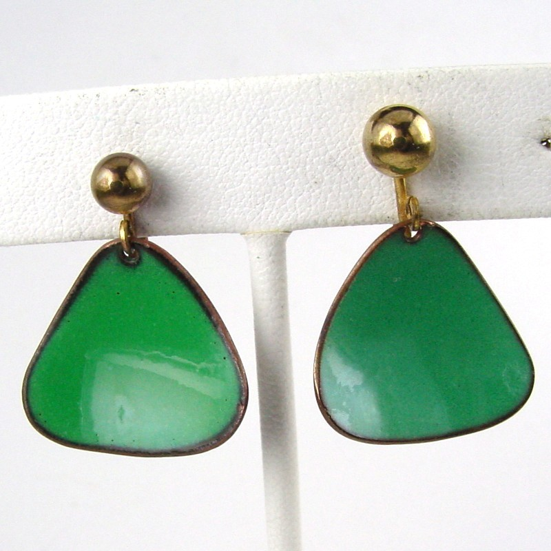 Hogan Bolas Green Enameled Triangular Earrings