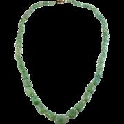 Chinese 1920s Art Deco Green Jadeite Aventurine Knuckle Beads Necklace