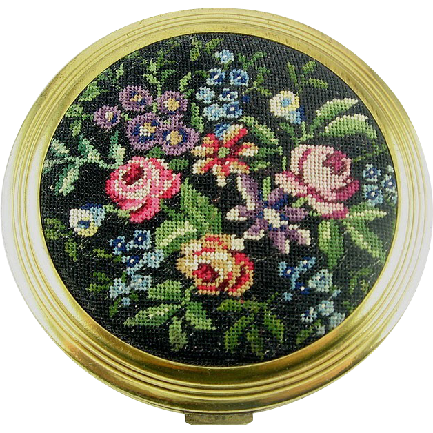 Colorful 1940's FRENCH Rose Garden Petit Point Powder COMPACT