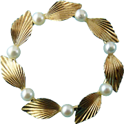 Krementz 1950's Gold Filled Genuine Pearl Leaves Wreath Circle Pin