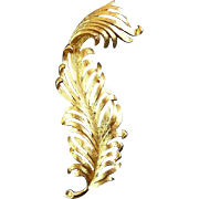MONET long Gold Plated Feather Plume Brooch Pin