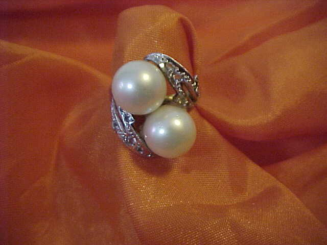18K Arabic Yellow Gold Ring Diamonds & Cultured Pearl Ring Size 6