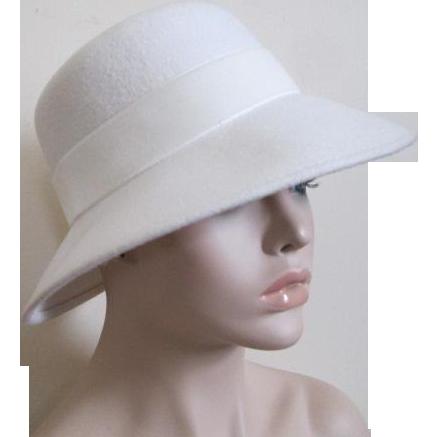 Winter White Wool Felt Hat Vine 1960s Womens Accessory Sold 31d13fdf789