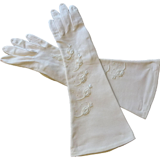 White Wedding Gloves Vintage 1960s Beaded Bridal Bride Special Occasion