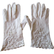 Marshall Field White Wedding Gloves Vintage 1960s Cotton Lace Special Occasion 7.5