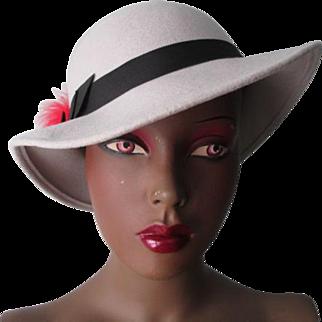 Womens Fedora Hat Vintage 1970s Heather Grey Black Feathers Wool Felt