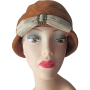 Flapper Cloche Hat Vintage 1920s Burnt Orange Wool Felt Beige Leather Buckle Bow Jan Leslie Italian