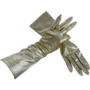 Womens Gold Metallic Gloves Vintage 1960s Nylon Party Prom Special Occasion Accessory