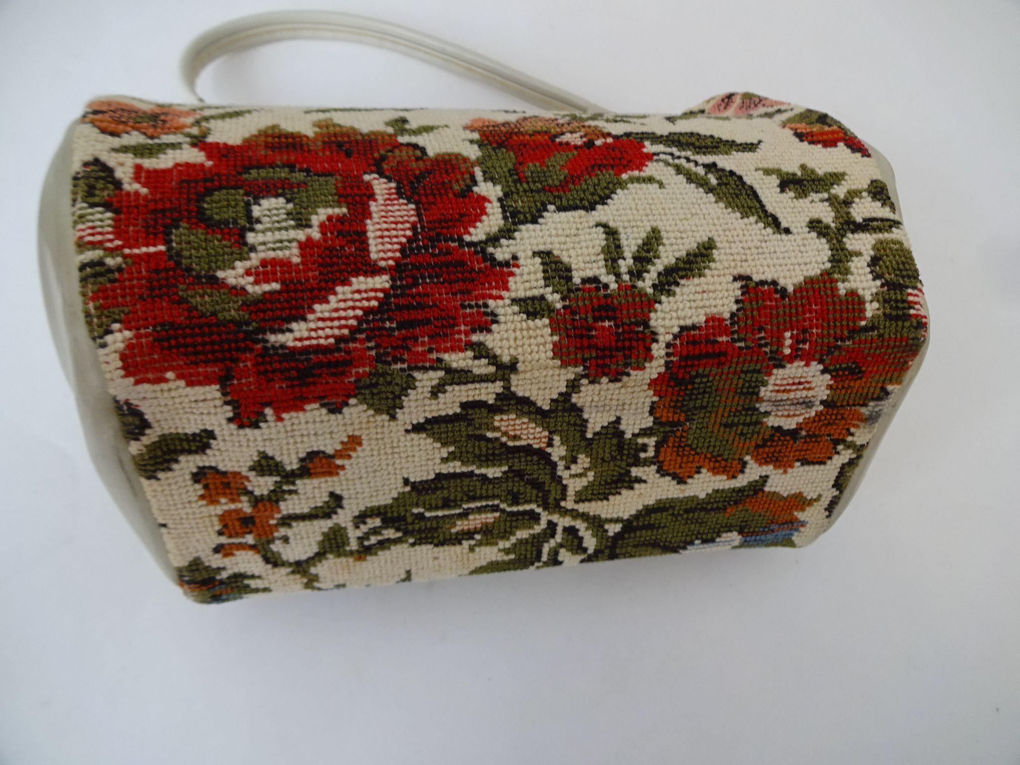 tapestry floral carpet bag purse vintage 1960s ivory womens handbag   vanity flair vintage