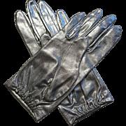 Womens Silver Metallic Gloves Vintage 1950s Wristlet Pristine