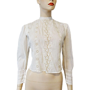 Antique Edwardian Blouse 1910s Eyelet Lace Pintuck Carved Buttons White Cotton