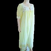 Lingerie Vintage 1960s Dressing Gown Robe Yellow Nylon