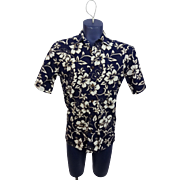 Hilo Hattie Hawaiian Shirt Vintage 1970s Blue Floral Cotton Hawaii Wooden Buttons