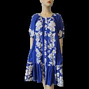 Hilo Hattie Hawaiian Dress Vintage 1970s Royal Blue White Floral Leaf Ruffle