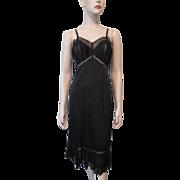 Vanity Fair Black Full Nylon Slip Vintage 1940s Accordion Lace 32