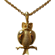 Owl Pendant Necklace Vintage 1970s Gold Gilt Chain