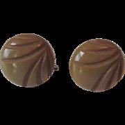 Deeply Carved Bakelite Earrings Vintage 1940s Avocado Green Screwback