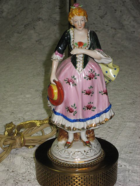 Vintage Hand Painted Porcelain Lady Figurine Lamp From