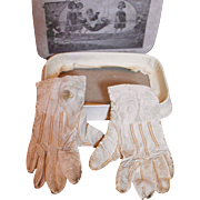 French Box with Gloves for Doll