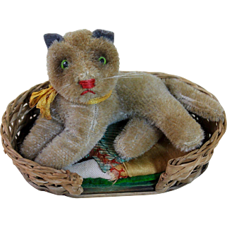 Wonderful Vintage Cat in Original Basket