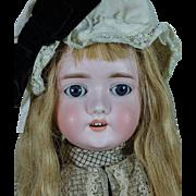 """Pretty 24"""" 1909 Schoenau & Hoffmeister Girl"""