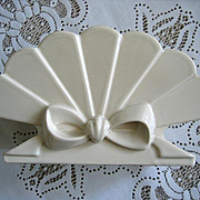 Abingdon Vase Bow Fan Vintage