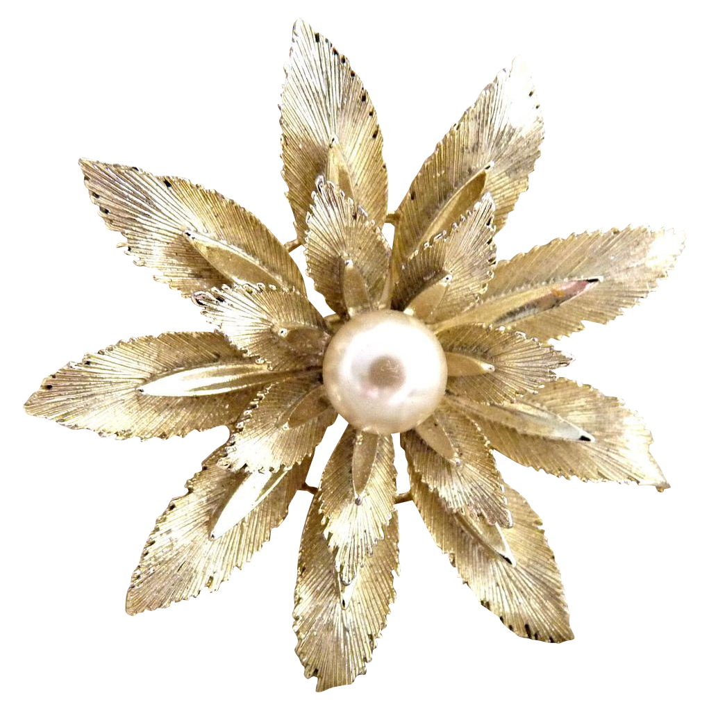 Vintage flower brooch faux pearl center c. 1960s Lisner