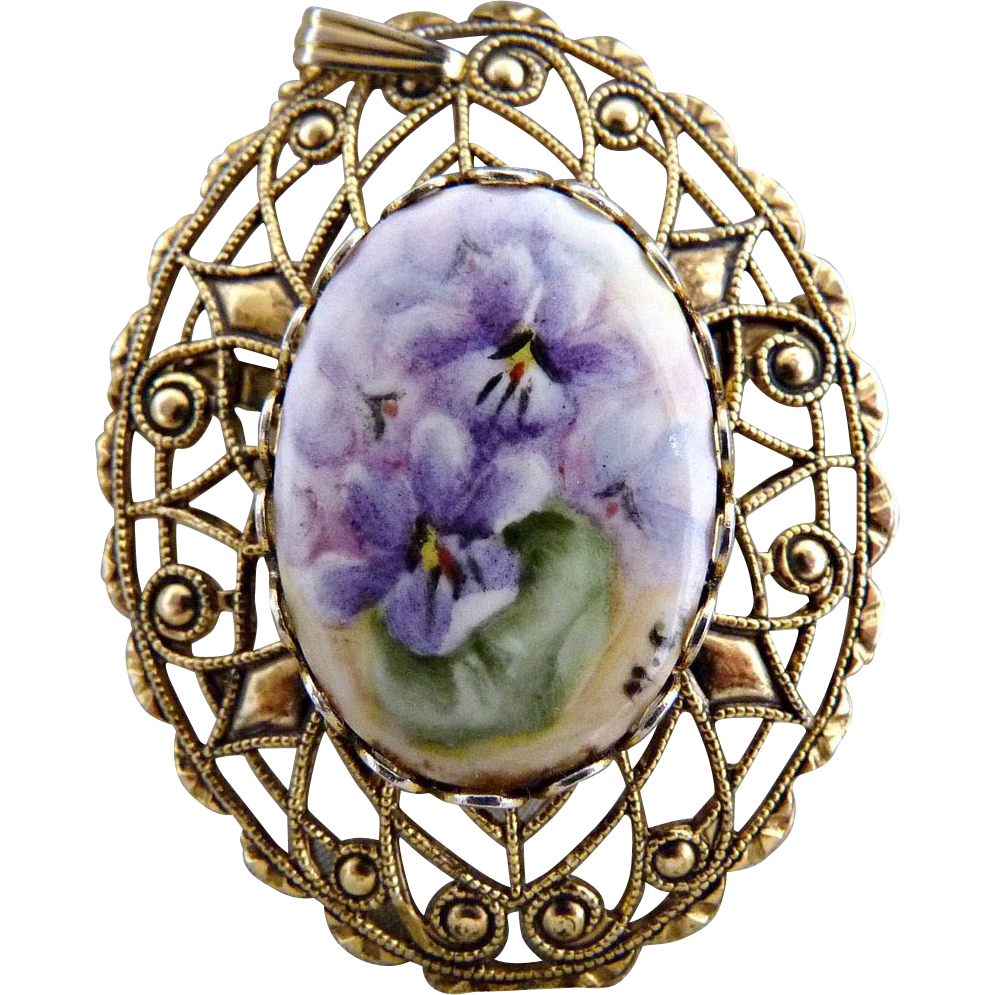 Vintage porcelain brooch pendant hand painted filigree