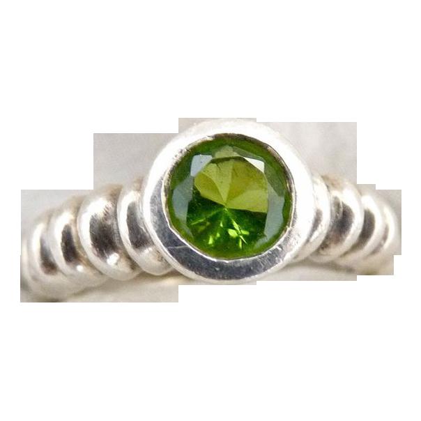 Vintage peridot ring sterling silver bezel set