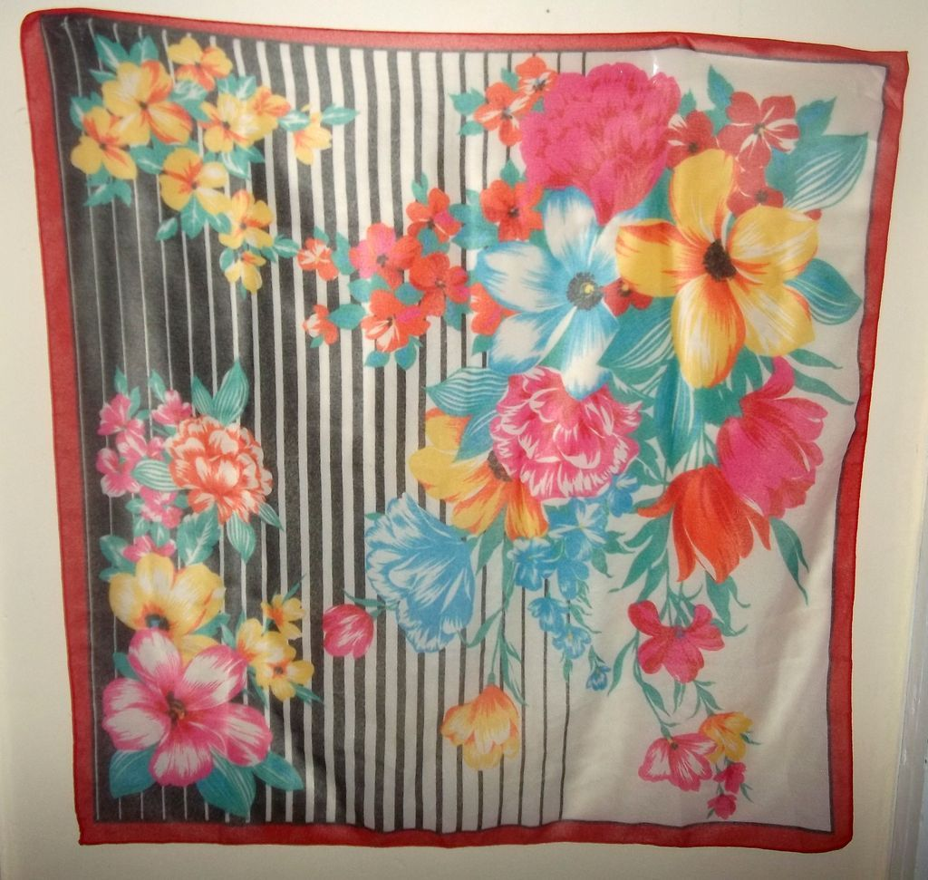 Oh So Pretty Bright and Cheerful Floral Print Ladies Fashion  Scarf