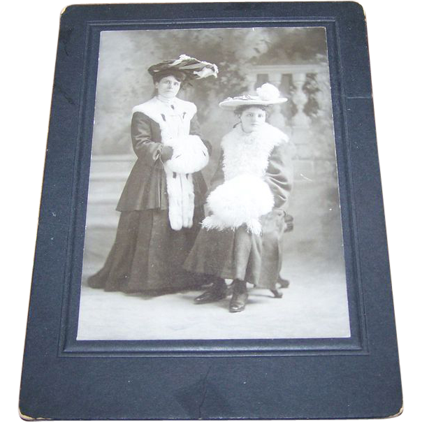 Charming Vintage Cabinet Card Ladies of Fashion Hats Fur Muffs