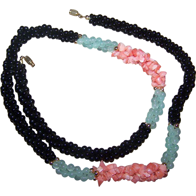 A Pretty Vintage Jade Green  ,  Orange Coral and Black Onyx  Twisted Bead Chip Necklace