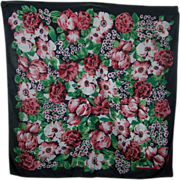 A Pretty Vintage Floral Pattern Sarah Coventry Ladies Fashion  Scarf