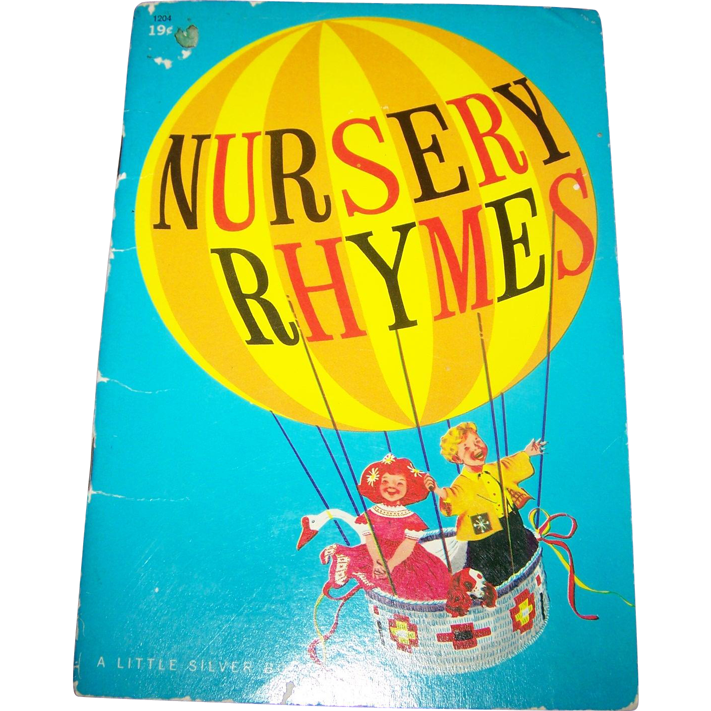"Soft Cover Children's Illustrated Book "" Nursery Rhymes ""  Golden Press"