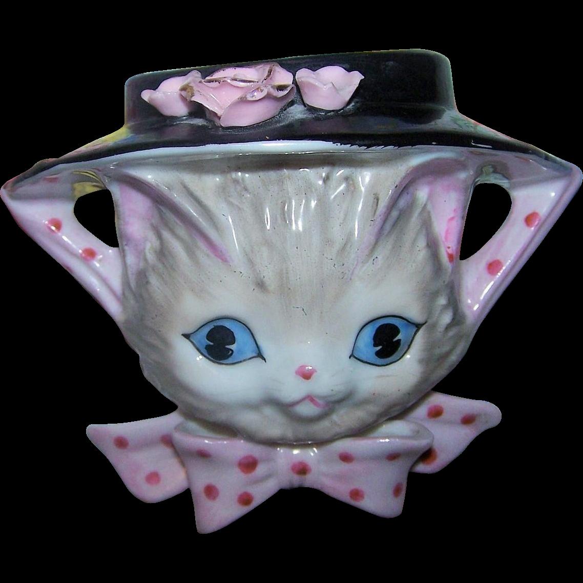 YU7764 Japan Pretty Kitty Cat Face Wearing Bonnet Ceramic Wall Pocket